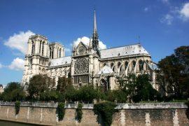 Hvornår på året skal jeg rejse til Paris?