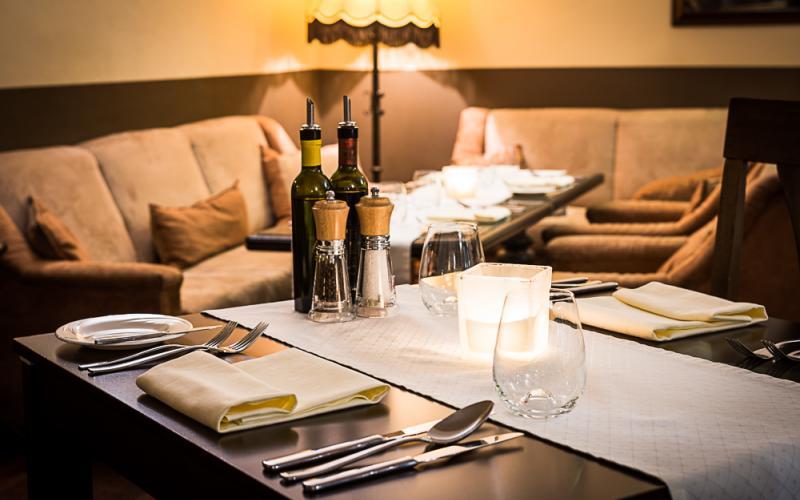Emy Destinnove Restauranter i Prag