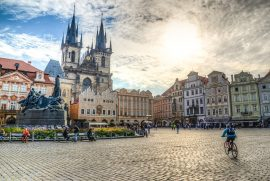 Vind 2 flybilletter til Prag