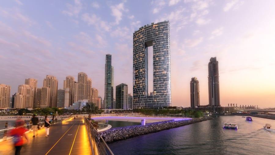 Address Beach Resort: Verdens højeste infinity-pool er åbnet i Dubai